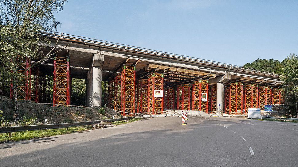 Podepření mostu na dálnici D1, Hvězdonice: Flexibilně vytvořené zabezpečení stavby se systémem VST.
