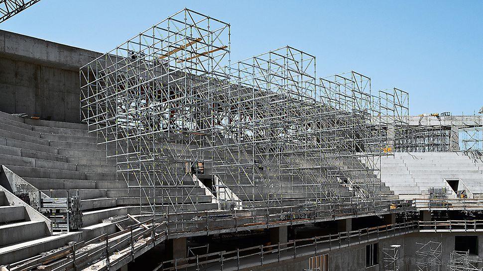 Sportska arena Lora, Split, Hrvatska - multifunkcionalna dvorana u Splitu s 12.500 mjesta za sjedenje pravovremeno je izgrađena za Svjetsko rukometno prvenstvo održano 2009. godine u Hrvatskoj.