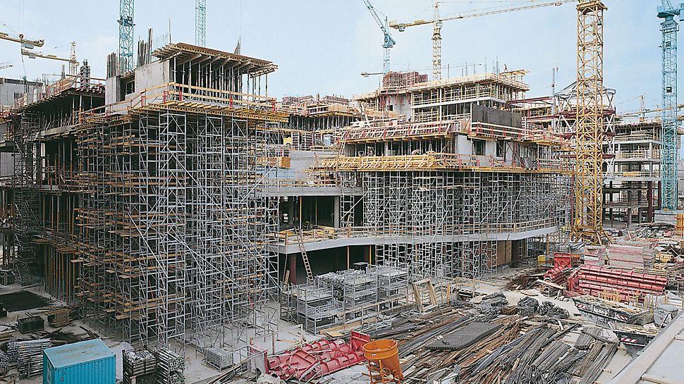 Potsdamer Platz, Berlin, Deutschland - Mit nur einer Rahmengröße ist jede Einsatzhöhe ohne separate Kombinationstabellen einfach geplant und schnell disponiert.