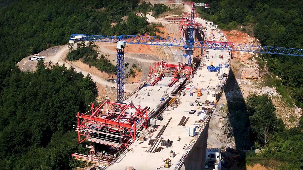 Eine neue, rund 65 km lange Autobahn verbindet zukünftig die Städte Kičevo und Ohrid im Südwesten der Nordmazedonischen Republik miteinander.