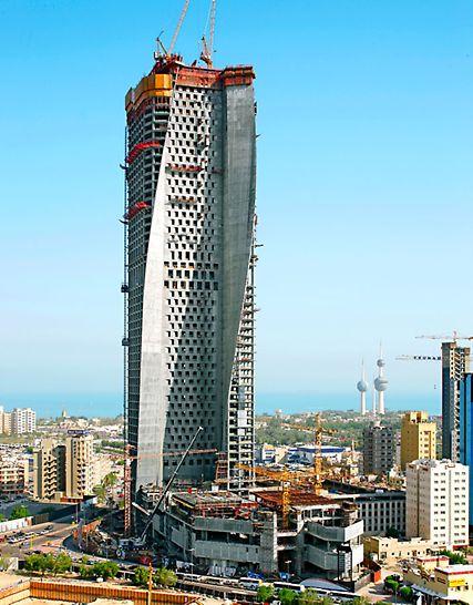 """Al Hamra Tower, Kuwait City, Kuwait: Novým symbolem perského zálivu je 412 metrů vysoká budova """"Al Hamra Tower"""". Tato nápadná stavba s neobvyklým tvarem vznikla s pomocí bednění PERI."""