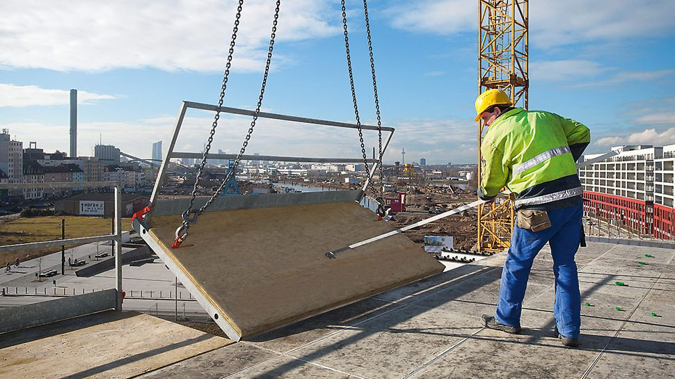 The SKYDECK platform ensures safe working conditions at the slab edges and saves the installation of safety scaffold in the level below.