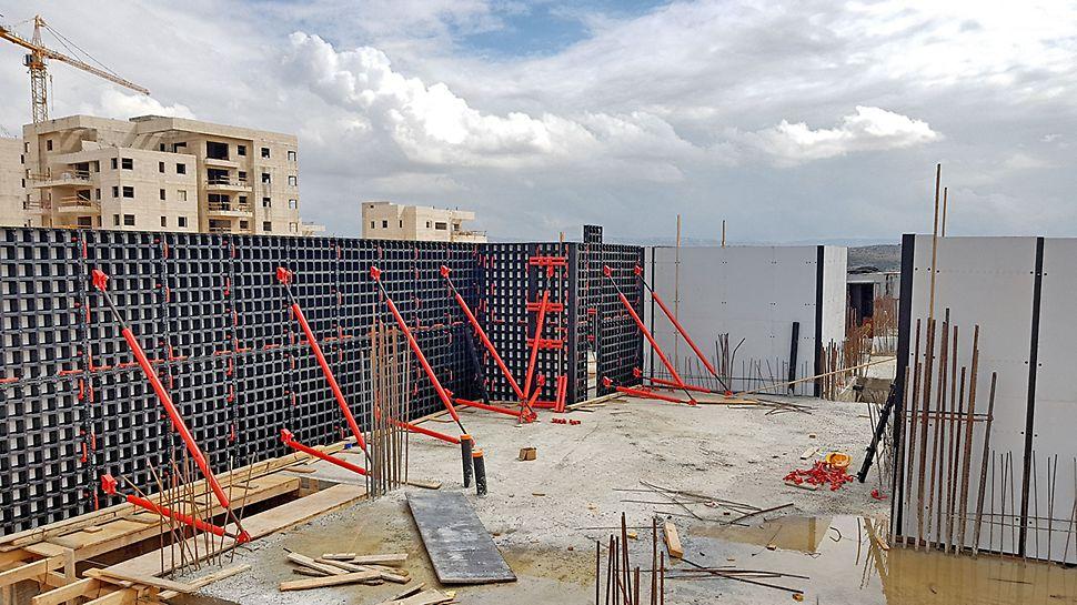מערכת דואו - תבניות מודולריות ליציקת בטון, הרכבה קלה במגוון גבהים ואורכים.