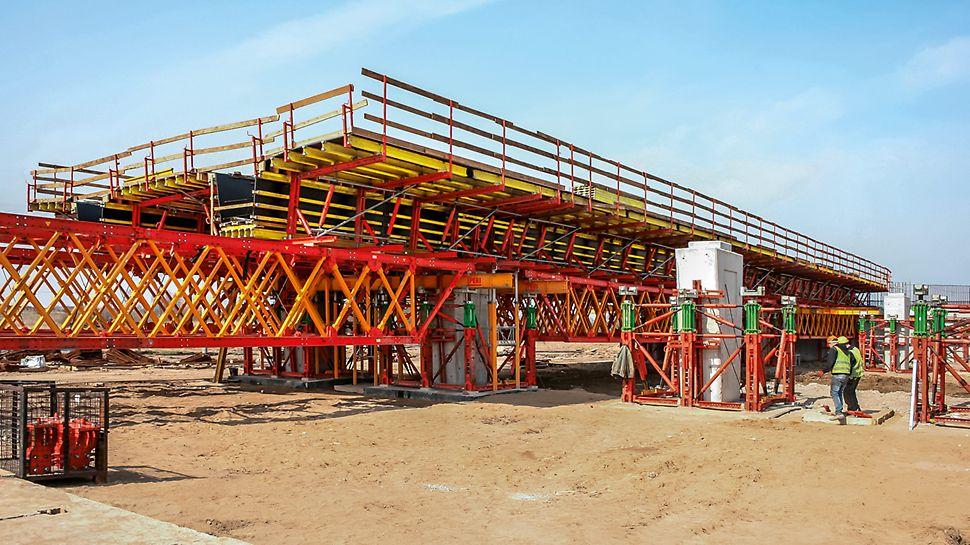 PERI Ingenieure unterstützen das Baustellenteam während des gesamten Bauablaufs mit termingerechter Logistik und baubegleitender Projektunterstützung dafür, dass sämtliche Anforderungen erfüllt und der Bauzeitenplan eingehalten werden konnten.