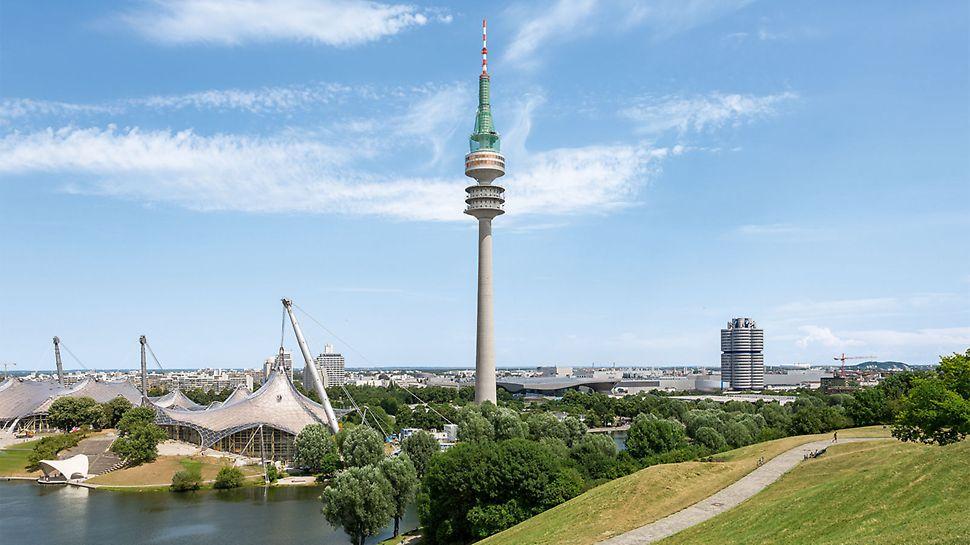 In den Sommermonaten wurde der Betonschaft an der Turmspitze und zwischen den Kanzeln sowie die Unterseite der unteren Kanzel teilsaniert.