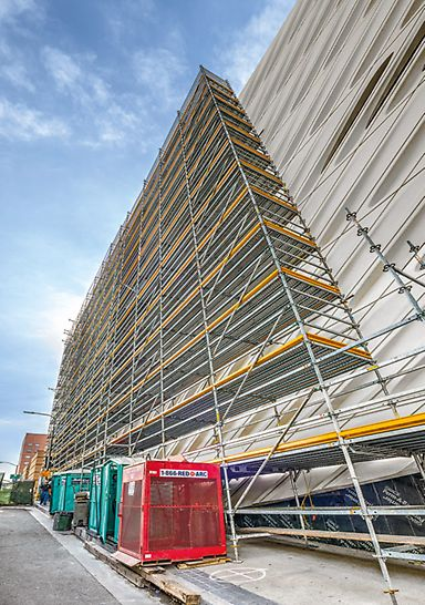 The scaffolding width can be choosen freely selectable and can be adapted to met a wide range of requirements.