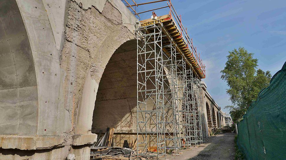 Podepření římsy mostu na věžích ST 100.