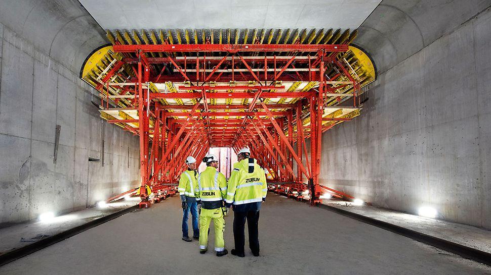 Marieholm Tunnel, Gothenburg, Sweden   100-m-long segments based on the modular design principle