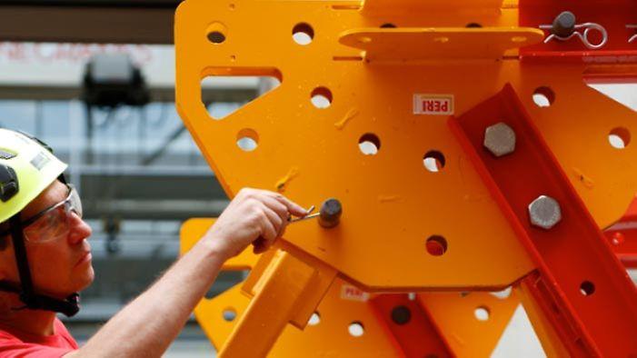 Die geringe Anzahl an Passbolzen macht die Montage schneller und sicherer als eine Montage mit Schraubenverbindungen. Die mit Federstecker ausgeführte Passbolzenverbindung können sehr einfach und verlässlich mit einer einfachen Sichtkontrolle geprüft werden.