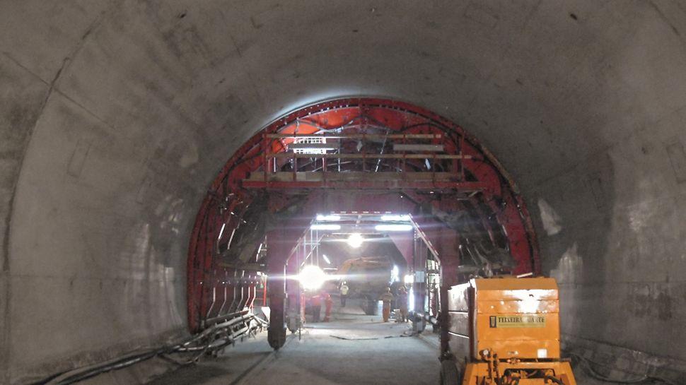 Metro de Argel - Linha e Estações - Vista geral da superfície de betão