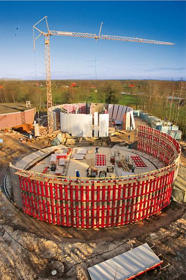 Sandelermöns Waterworks - Circular formwork even for large radii with the PERI RUNDFLEX Plus: perfectly formed curvatures without any additional measures.