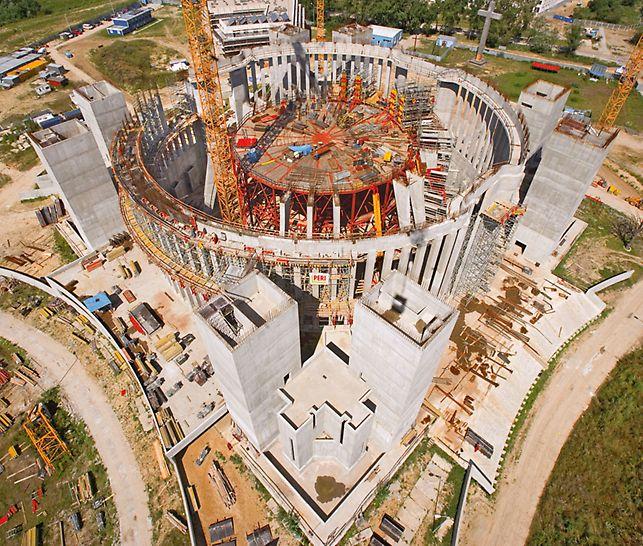 Tempel der göttlichen Vorsehung, Warschau, Polen - Die Konstruktion des Tempels besteht aus Stahlbetonrahmen in Kreisprojektion auf einer Grundfläche, die einem griechischen Kreuz nachempfunden ist.