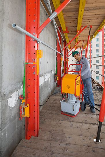 "Progetti PERI - Jeddah Gate ""E3 – Abraj Al-Hilal 2"", Jeddah, Arabia Saudita - Dispositivi mobili di sollevamento idraulico RCS"