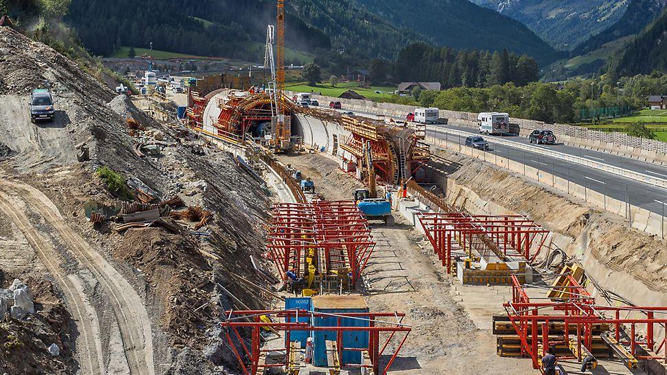 Tunnelbau in offener Bauweise.