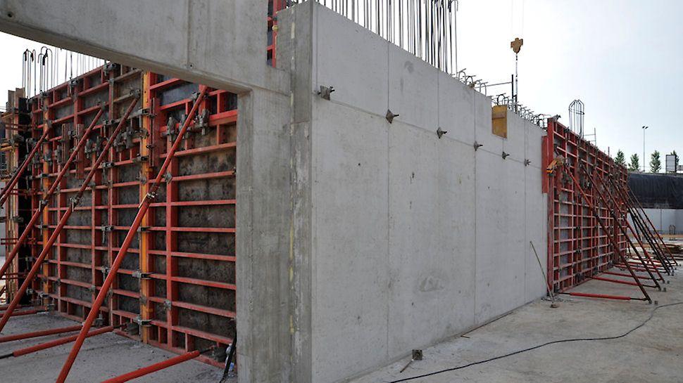 Kilometro rosso (Bergamo), costruzione dei muri faccia a vista e delle pareti con PERI VARIO e PERI TRIO