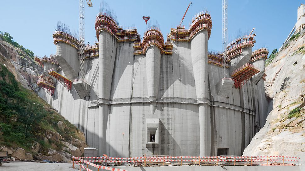 Proiect PERI - structuri hidrotehnice - Barajul Foz Tua, Vila Real – Alijó, Portugalia
