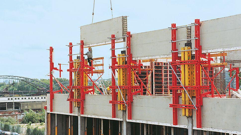 Die Fassadenschalung FTF ist eine flexibel einsetzbare Tragkonstruktion zum Herstellen von Gebäudefassaden mit Fertigteilen.