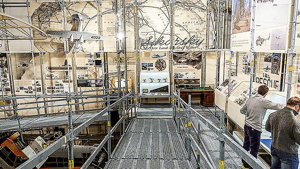 Масштабная конструкция из промышленных лесов PERI гармонично вписалась в исторический интерьер павильона на ВДНХ