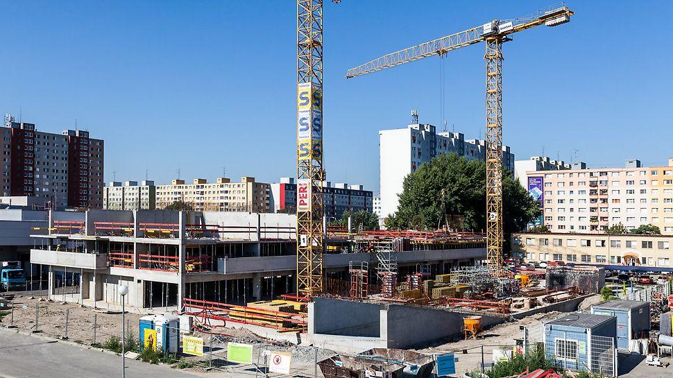 Bytový dom Muchovo námestie, Bratislava, Slovensko - Spoločnosť PERI prijala výzvu v podobe spracovania návrhov a následného rýchleho dodania systémov debnenia, ktoré umožňujú bezpečnú a ekonomickú výstavbu bez zbytočných časových strát.