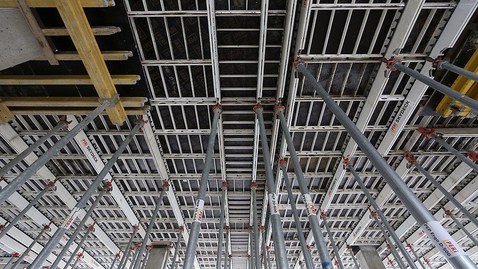 System deskowań PERI SKYDECK stanowi optymalne rozwiązanie dla dużych powierzchni stropów