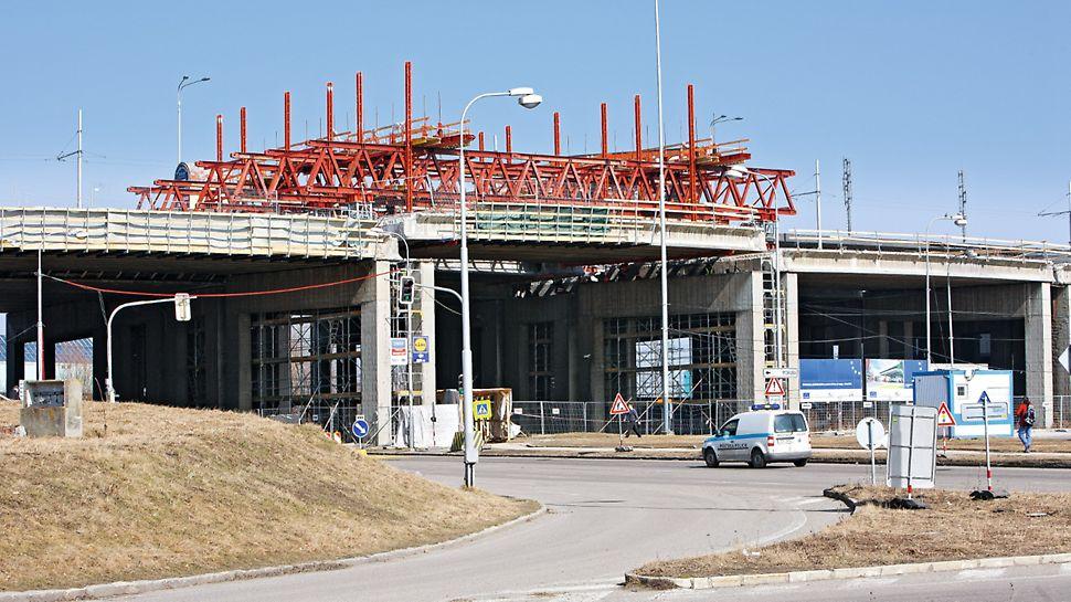 Rekonstrukce a zvedání mostů, Ostrava - Svinov: Součástí revitalizace byla celková rekonstrukce NK mostu: výměna ložisek, úpravy počtů nosníků, ošetření kotevních oblastí nosníků a rozsáhlá sanace pilířů. Aby byl proces rekonstrukce proveditelný, muselo být každé mostní pole zvednuto o cca 1,50 m.