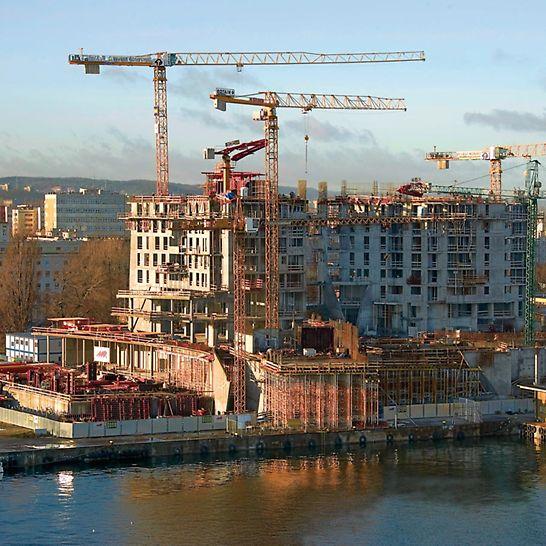 Sea Towers: budowla położona jest bezpośrednio w porcie