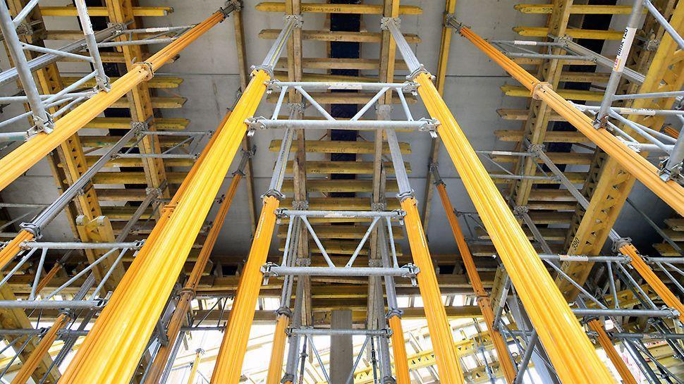 Podparcie prefabrykowanego stropu oraz belek na podporach MULTIPROP, pozwalało na łatwy i szybki montaż.