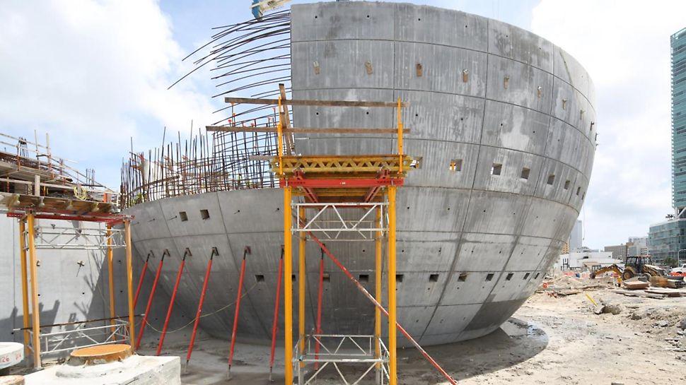 Construction of the planetarium walls using VARIO, VARIOKIT and MULTIFLEX.