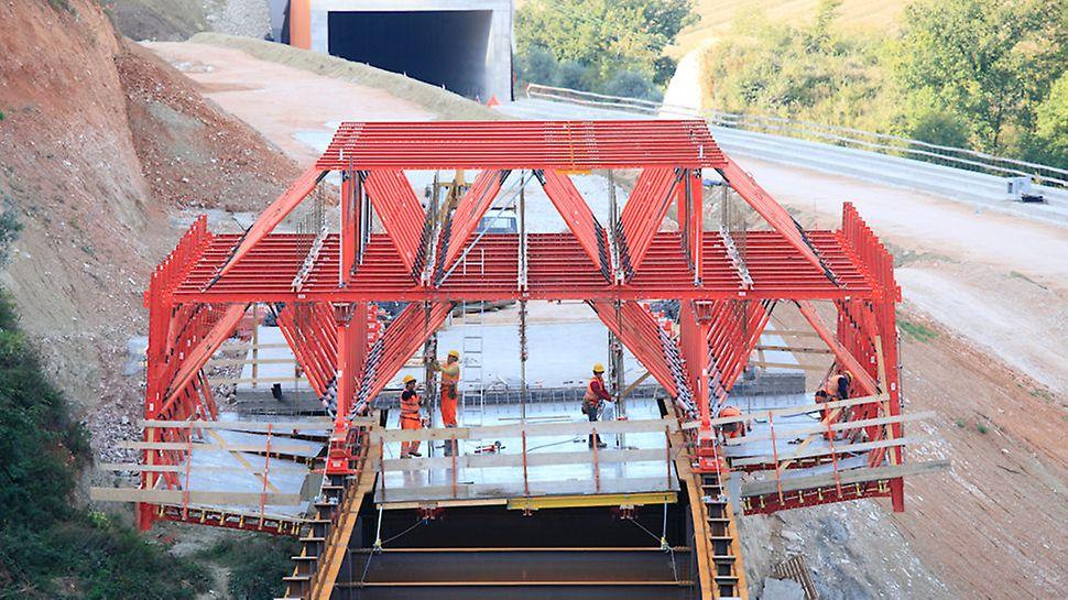 Viadotto San Lorenzo, Foligno - Sicurezza e produttività con il sistema modulare Peri PROKIT