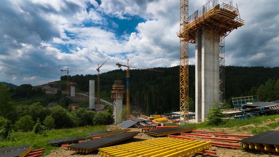SO244 a SO248 na diaľnici D3 Svrčinovec - Skalité - Objekt SO244 pozostáva z 8 pilierov, pričom najnižší meria 7,6 m a najvyšší 76,20 m.