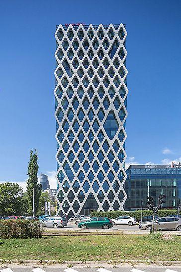 Prosta Tower: 70 m vysoká věž Prosta má 19 podlaží a 5 úrovní suterénu.