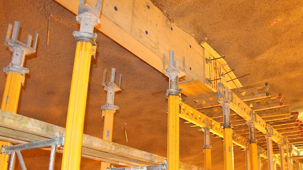MULTIPROP-holvitukijärjestelmä toimi kattoon valetun betoniseinän tuennassa.