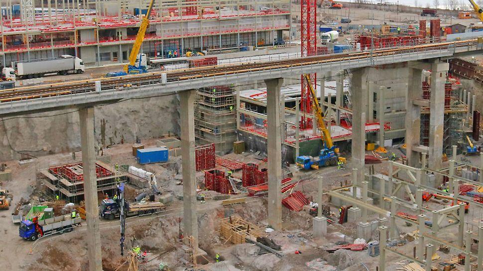 Redi rakentuu metroaseman viereen Itäväylän tuntumaan - rakentaminen alkoi Itäväylän eteläpuolelta.