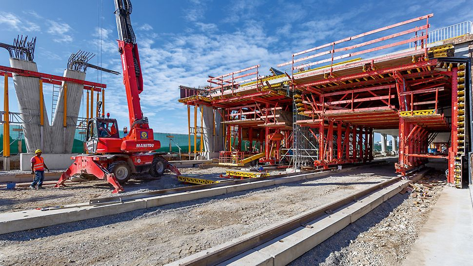 A96 Gallery, Germering-Gilching, Germany | Realisation of a tight construction schedule through safe and efficient handling of the formwork systems used