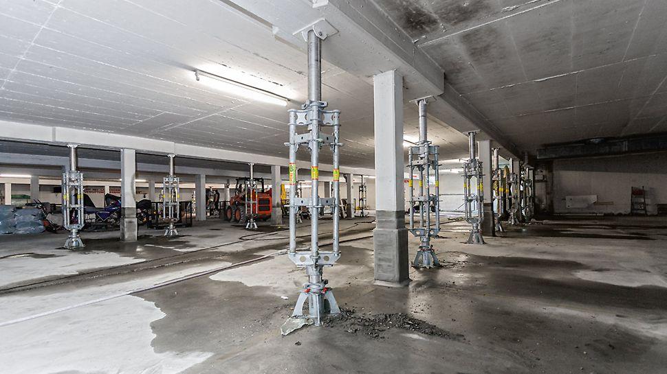Pretensado controlado mediante cilindros hidráulicos, p. ej. para apuntalamiento dentro de edificios