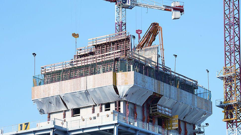 Progetto PERI - Porta Nuova Varesine, Lotto 1 - Core della Torre Diamante in cemento armato, realizzata con la cassaforma TRIO, sostenuta dal sistema di ripresa con guida RCS-C.