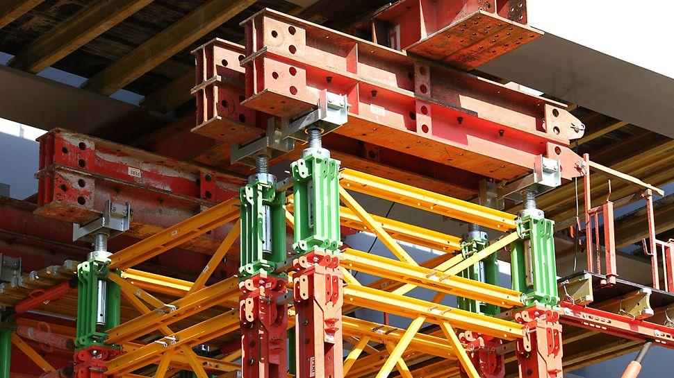 Wieże VST posiadają nośność 700 kN na pojedynczy słupek. Ruchome głowice można podnosić i opuszczać nawet pod pełnym obciążeniem. Zakres ruchu wynosi 28 cm.