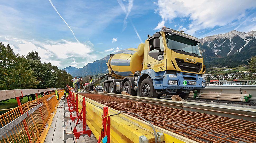 Fahrzeugbrücke, Innsbruck, Österreich | Brückensanierung trotz fließenden Verkehrs