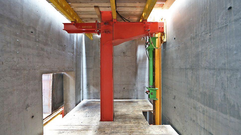 Система опалубки ACS-G  в лифтовой шахте башни Крокус сити Манхэттен, Москва