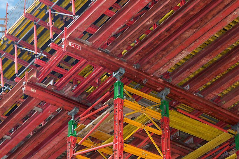 Das modulare System erlaubte zudem das Umbauen der Brückenpfeiler sowie den Einsatz als 2-stielige Jochscheibe.