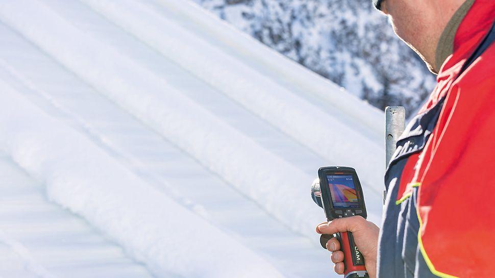 PERI Neuheit: Heizbare Dachplanen minimieren die Schneelasten auf der temporären Gerüstüberdachung.