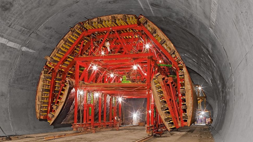 Bypass Tunnel, Sochi, Russia | Load-bearing tunnel formwork carriage with flexible construction
