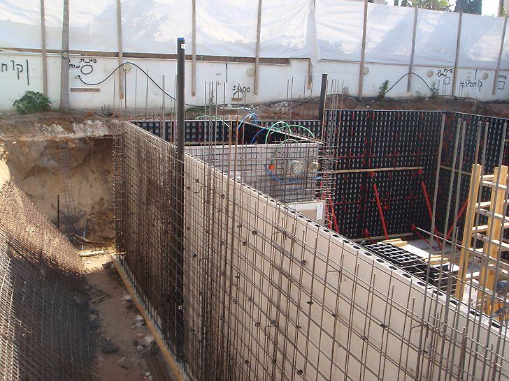 """מערכת דואו ליציקת קירות ממ""""ד בגובה כ-3.0 מטר"""