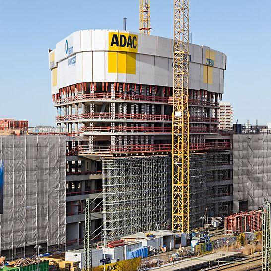 ADAC Zentrale, München, Deutschland - Beim Bau der neuen ADAC Zentrale unterstützt PERI das Züblin Baustellenteam mit effizienten Schalungs- und Gerüstlösungen und kompetentem Service.