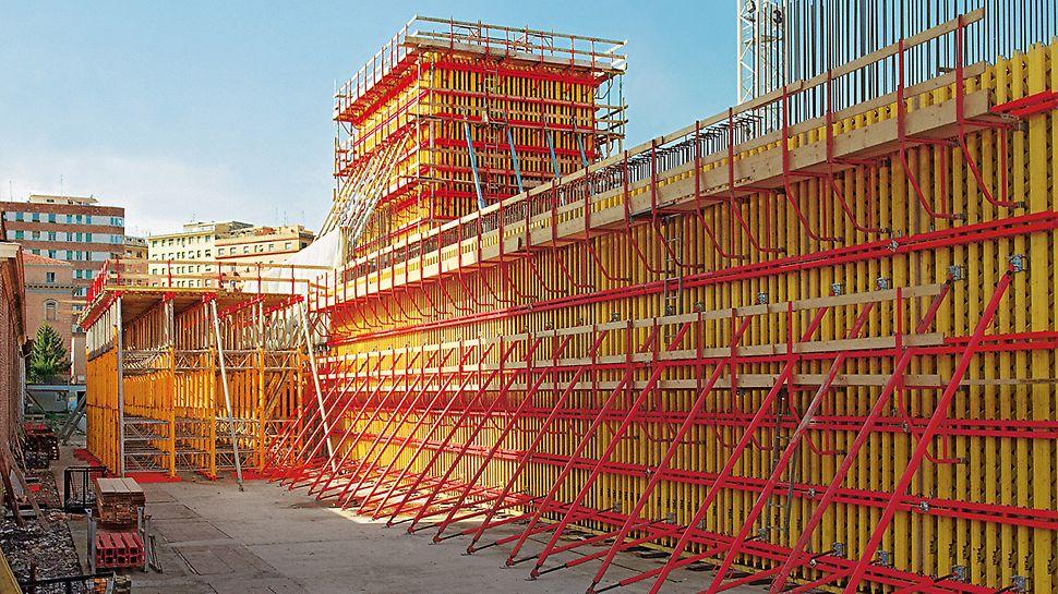 Národní muzeum umění XXI. stol. MAXXI: Pro výrobu rovných stěn z pohledového betonu byl použit systém stěnového nosníkového bednění VARIO GT 24, který se ukázal být jako velká výhoda.