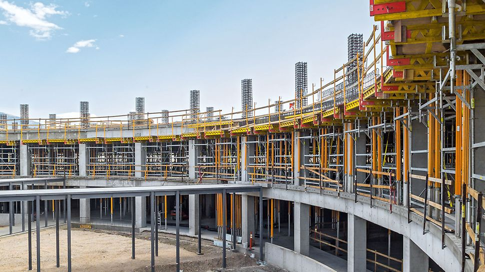 With MULTIFLEX, every slab thickness, any ground plan and all floor heights can be formed. Main components of the MULTIFLEX are the VT 20K or GT 24 Formwork Girders. The possible combinations of these formwork girders ensure the highest level of flexibility for adapting to project-specific requirements.