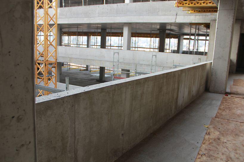 DUO zsaluzattal készült mellvéd falak. 40 fm DUO zsaluzat volt folyamatosan forgatva az építkezésen.