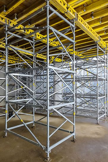 As a free-standing shoring tower with assembly heights up to 6.39 m and for loads up to 45 kN; restrained at the top, up to heights of 9.39 m and loads up to 50 kN
