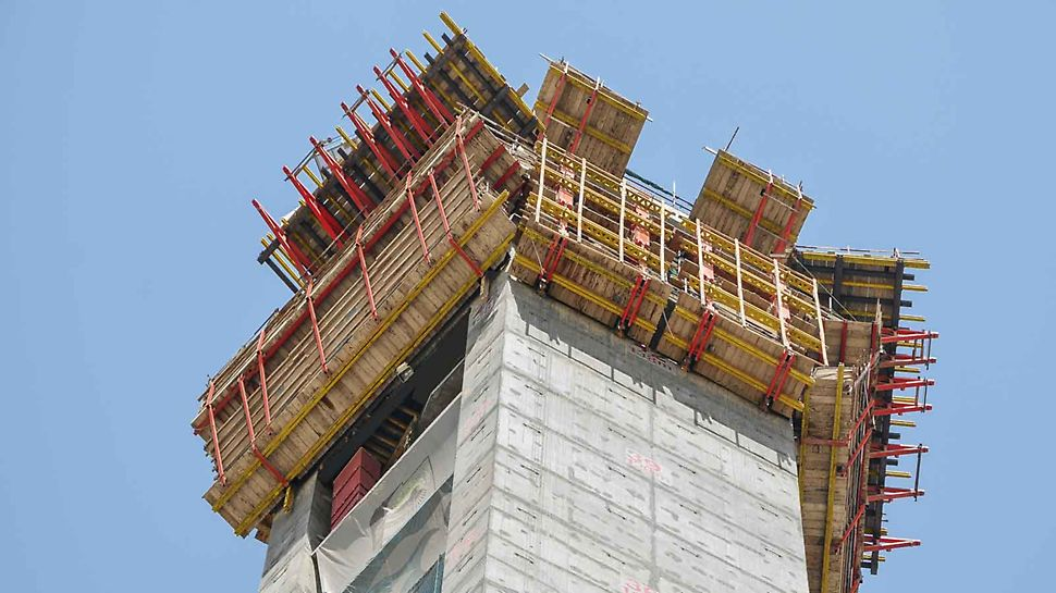 Dubai Frame, United Arab Emirates: The customized climbing formwork solution combined three different ACS self-climbing versions with VARIO Girder Wall Formwork and TRIO Panel Formwork.