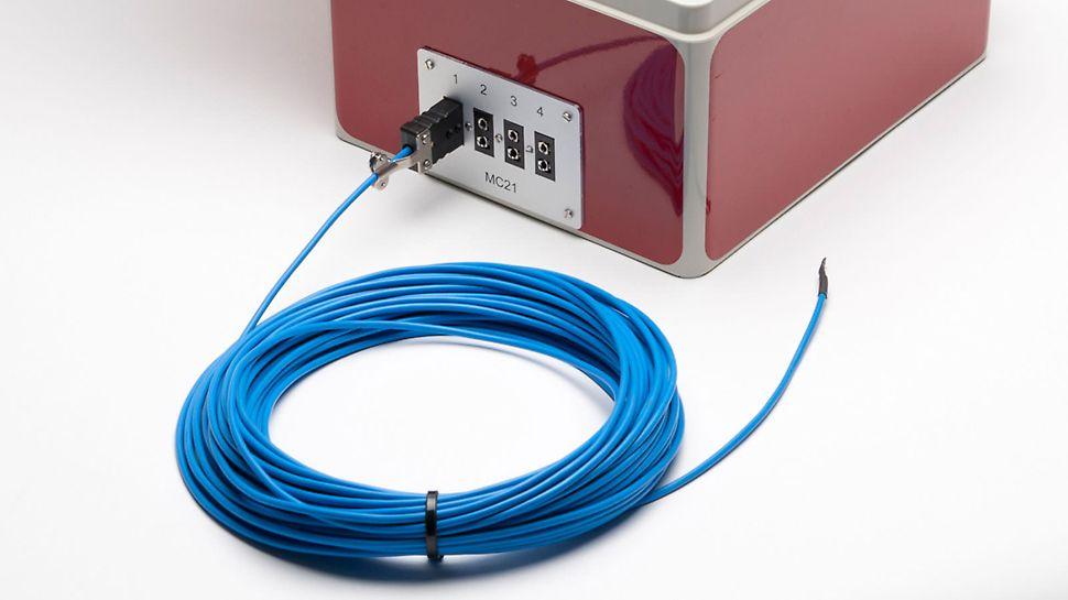 An die 4 Messkabeleingänge kann jeweils ein Thermokoppel-Messkabel von maximal ca. 150 m Länge angeschlossen werden.